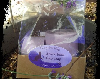 divine luna face soap (lots)
