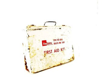 Vintage First Aid Kit, Wall Hanging, Industrial Decor, Storage, Patina, Advertising Duluth MN, Red and White Metal Case