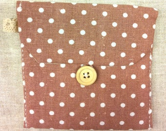 VINTAGE PINK FABRIC POUCH HAS T 14 WHITE DOTS