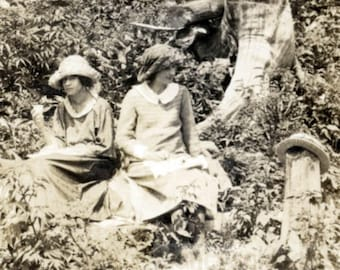 vintage photo 1914 Women Man Picnic in High country RPPC