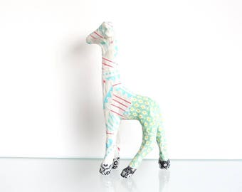 Giraffe in a child's room decor