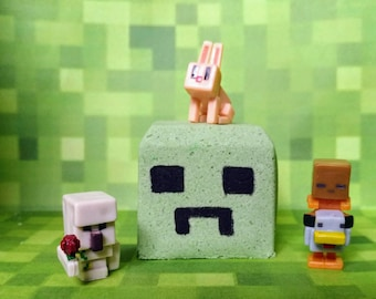 Minecraft Inspired Bath Bomb with Toy Inside