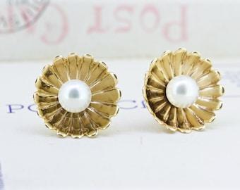 SALE Vintage Pearl Earrings | Gold Seashell Jewelry | 14k Yellow Gold Earrings | Mermaid Jewelry | 6 MM Pearl Studs | Wedding Earrings