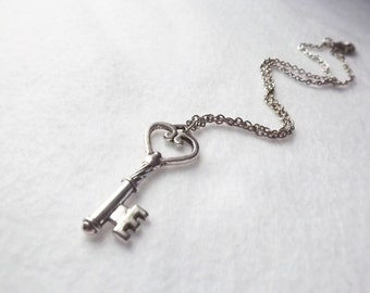Silver Key Necklace Skeleton Key Victorian Silver Necklace Key Jewelry Charm Necklace Fantasy Vintage Like Key