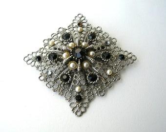 Vintage Filigree Brooch - Silver Tone Brooch - Vintage Jewelry - Vintage Brooch