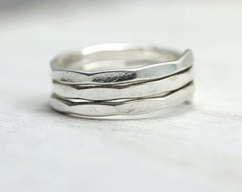 Silver Wrap Ring, Hammered Coil Ring, Stacking midi ring