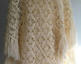 Ivory color shawl, crocheted shawl, 70's shawl, vintage shawl
