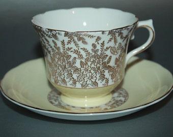 ROYAL VALE Bone China Teacup and Saucer Set.