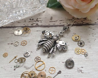 Steampunk bee pendant, bumble bee necklace, clockwork honey bee, insect jewelry, nature gift, upcycled jewelry, gift for her, gift for mum