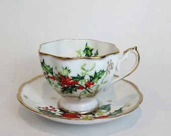 Vintage Queen Anne  Noel England #5417 Teacup and Saucer Fine Bone China gold trim Christmas