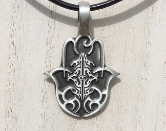 Silver engraved fatima hand pendant and necklace, evil eye ward necklace, hand of fatima, hamsa hand