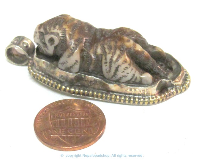 1 Pendant - Exotic brown color carved bone Tiger animal design pendant with floral carving  on reverse side - PB013F