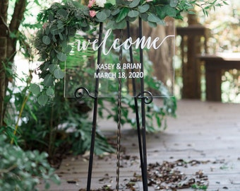 Welcome Sign for Wedding, Clear Glass Look Personalized Sign Modern Wedding Decoration Sign Clear Acrylic Welcome Sign (Item - WEC640)