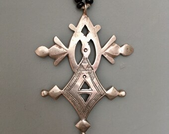 Tuareg Compass Cross with Onyx pearls & Tifinagh signs at the back