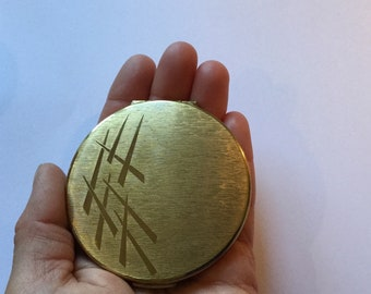 Vintage Stratton Gold Tone Design Powder Compact from the 1970s Round Compact