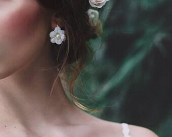 Romantic earrings Handmade earrings with pearl Boho wedding Flower earrings Floral earrings Wedding jewellery Wedding accessories