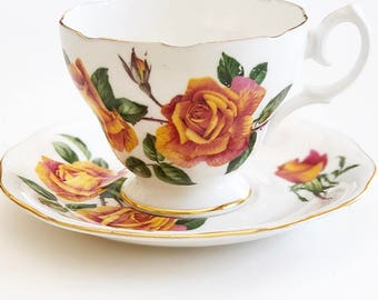 Vintage Tea Cup / Roses Flowers - Floral with Gold Trim ~ Cup and Saucer / Bridal Tea / Tea Lovers Gift / Antique Tea cup