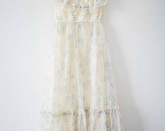 Vintage Boho Lace || Floral & White Gown || Hippie Dress