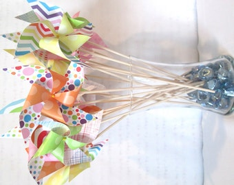 Rainbow Favors Birthday Party Favors Rainbow Pinwheels Baby Shower Table Centerpiece Photo Prop Kid's Toy Paper Pinwheel Spinning Whirligig