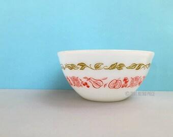 "Agee/Crown Pyrex 'Fruit Salad' 8"" nesting bowl"