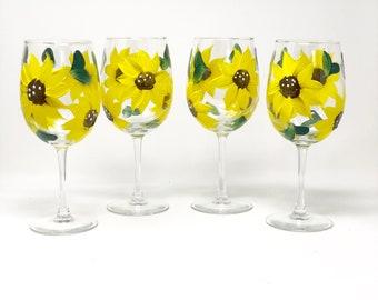 Hand Painted Sunflower Wine Glass, Set of 4, Wine Glasses, Spring table Decor, Sunflower Lover Gift Idea