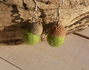 Acorn earrings ' Ouch Green