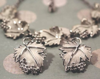 Sarah Coventry Whispering Leaves Necklace and Clip Earrings - Vintage 1959