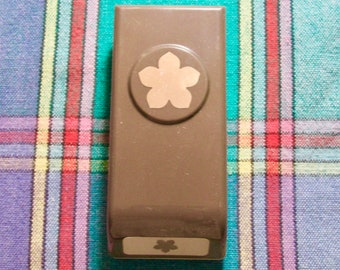 Used like new!! Stampin' Up! Petite Petals  paper punch