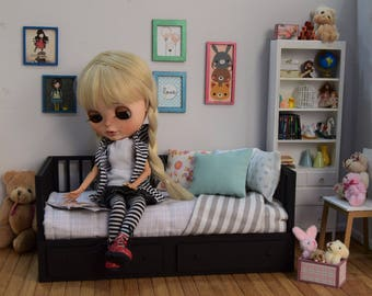 Furniture. Wooden bed 1: 6 for pullip and blythe , momoko, barbie, licca, azone, pure neemo etc