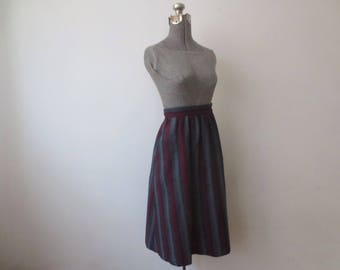 Vintage '70s Carson Pirie Scott Chicago Wool Blended Striped Herringbone Skirt w/ Pockets! 28 Inch Waist