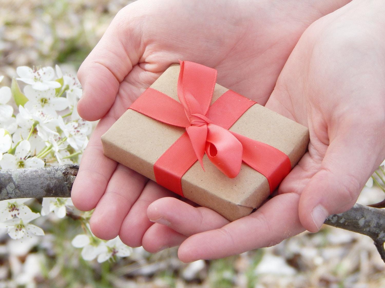 20 Spring Wedding Favors Garden Party Soap Favors