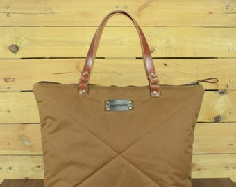 Waxed Canvas tote bag, Travel bag, canvas tote, Waxed bag, hand-padded bag, shopping bag, tote bag with leather, zipper bag.