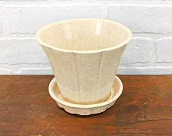 """Vintage McCoy USA Flower Pot with Attached Drain Dish, 5""""H McCoy Pottery Planter, Off White with Fine Green and Tan Speckles, PV5"""