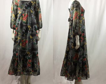 Beautiful Bold Vintage 70s Maxi Rose Floral Dress