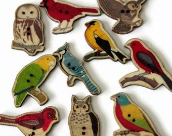 10 Bird Shaped Buttons - Printed Wood Buttons - Mixed Sizes - Owl Parrot Buttons - Vintage Style Wooden Buttons - Novelty Buttons - PW393