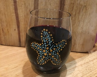 Starfish hand painted stemless wine glass