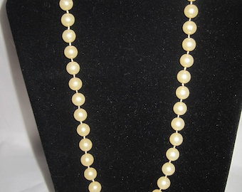 "17"" cream faux pearls"