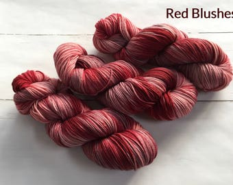 Red Blushes - Variegated, hand dyed yarn, 100% Superwashed merino wool, 100g / 400m