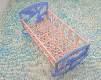 Thomas Toys Rocking Cradle Toy Furniture  Hard Plastic Pink Blue