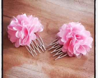 set of 2 Hair Combs silver and light pink fabric flowers