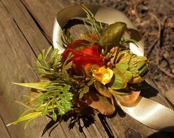 Green flowers bracelet with hop
