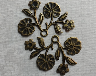 """Vintage gold or silver plate stamped brass floral charm,1&3/8th""""x7/8th"""", 2pcs-KC268"""