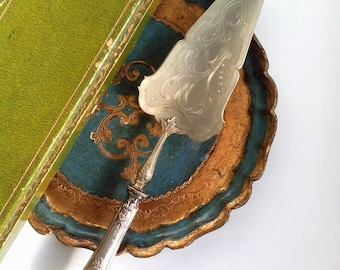 Antique Silver Cake Server,Cased French cake slice,Pastry server Manches Argent Controle,style Louis XVI,Silver Ornate Serving Spatula