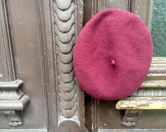 Red French Beret Vintage 90s Bordeaux Red Pink Wool Beret Cap Vintage Hat Parisienne French Chic Paris Style Raspberry Red