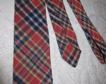 Vintage Bloomingdale's Men's Store red & navy blue cotton madras plaid skinny tie
