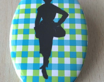 badge / brooch vintage silhouette fashion 16