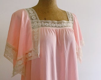 Vintage Blush Pink and Lace Nightgown