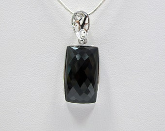 Rectangle Pendant with necklace.