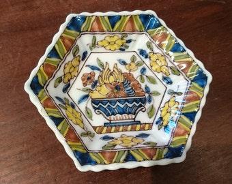Makkum Tichelaar plate, Dutch plate, Dutch earthenware, Makkum plate, Makkum Tichelaar, Frisian earthenware, Dutch ceramic plate, Makkum