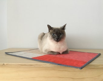 Minimalist modern cat quilt- Cat bed- Cat mat- Cat kicker
